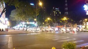 ホーチミンバイクat night
